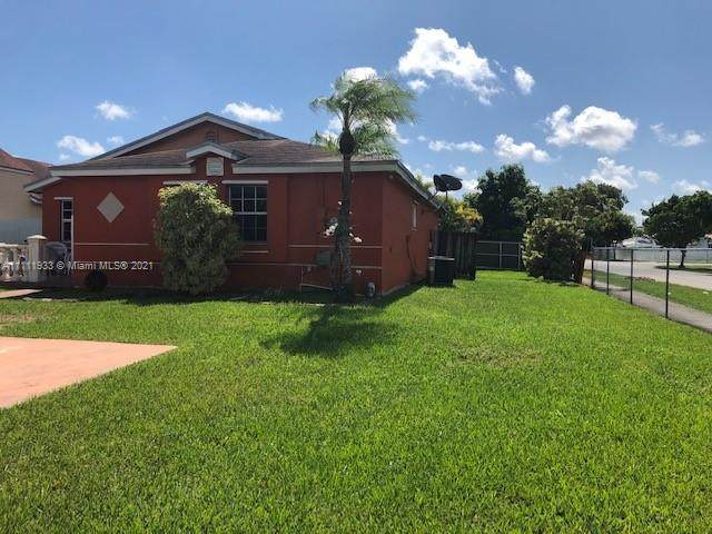 11480 SW 180th St, Miami, FL 33157 (MLS #A11111933) :: The Pearl Realty Group
