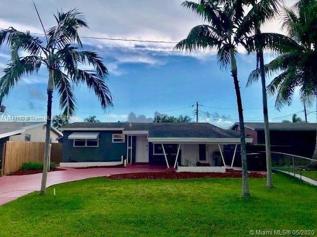 317 SW 7th St, Hallandale Beach, FL 33009 (MLS #A11112170) :: Castelli Real Estate Services