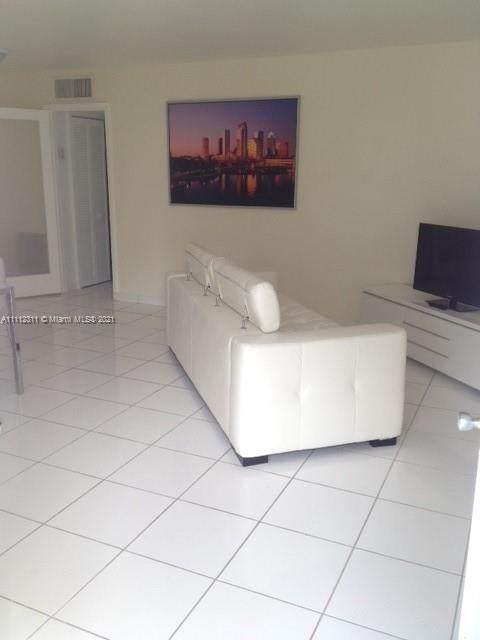 949 Pennsylvania Ave #310, Miami Beach, FL 33139 (MLS #A11112311) :: Jose Laya