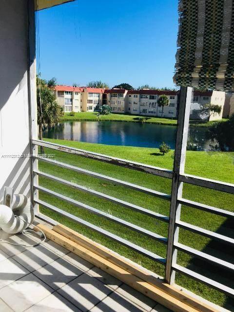 7960 N Sunrise Lakes Dr #306, Sunrise, FL 33322 (MLS #A11112312) :: Jose Laya