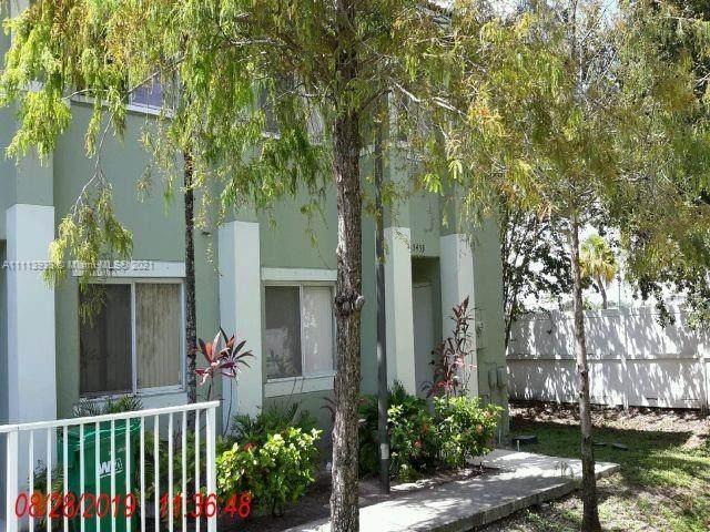 5453 SW 41st St #5411, Pembroke Park, FL 33023 (MLS #A11113938) :: Prestige Realty Group