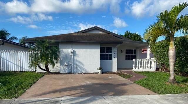 19628 SW 122nd Pl, Miami, FL 33177 (MLS #A11114199) :: Rivas Vargas Group