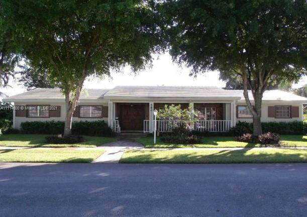 760 NW 75th Ter, Plantation, FL 33317 (MLS #A11114600) :: GK Realty Group LLC