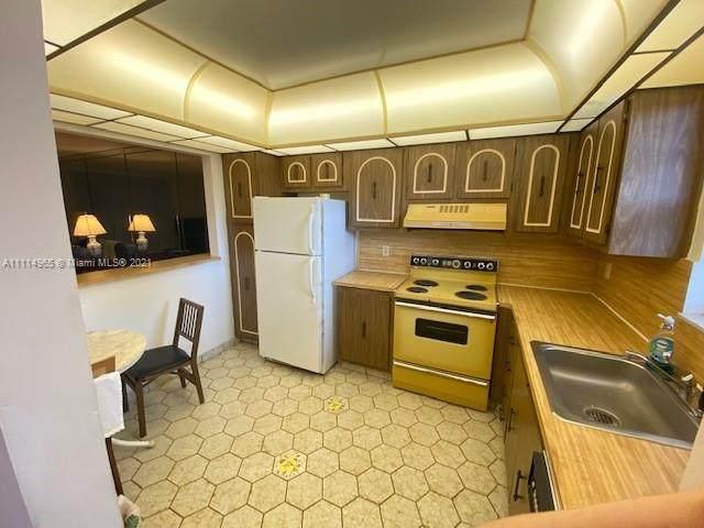 2541 Aragon Blvd #305, Sunrise, FL 33322 (MLS #A11114965) :: Green Realty Properties