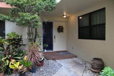 3205 Old Oak Ln #1106, Hollywood, FL 33021 (MLS #A11115214) :: Green Realty Properties