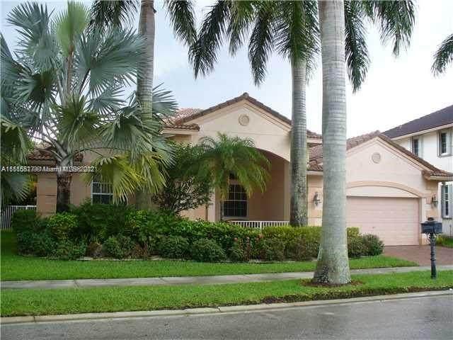 2451 Greenbrier Ct, Weston, FL 33327 (MLS #A11115817) :: All Florida Home Team