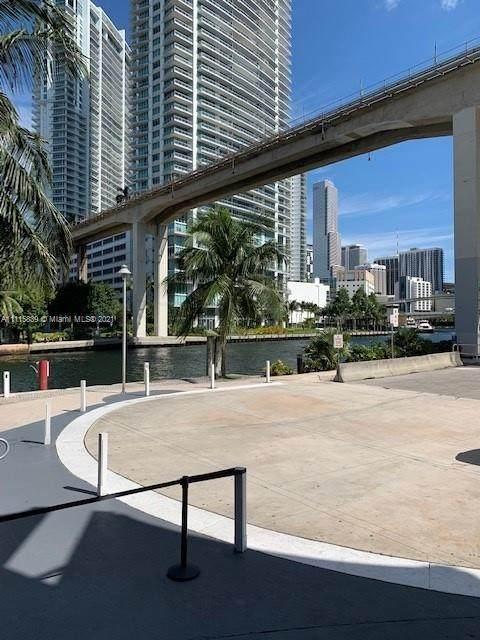 690 SW 1st Ct #2528, Miami, FL 33130 (MLS #A11115839) :: Albert Garcia Team