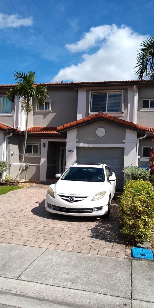 2851 SW 129th Way, Miramar, FL 33027 (MLS #A11117450) :: Patty Accorto Team
