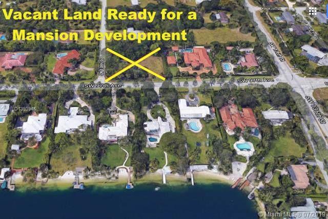 9701 SW 138 ST, Miami, FL 33176 (MLS #D1393945) :: Grove Properties
