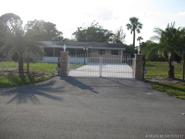 4764 Square Lake Drive, Palm Beach Gardens, FL 33418 (MLS #R10308482) :: Green Realty Properties