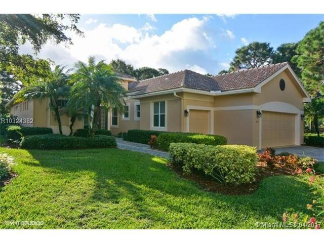4227 SE Henley Lane, Stuart, FL 34997 (MLS #R10324382) :: Green Realty Properties