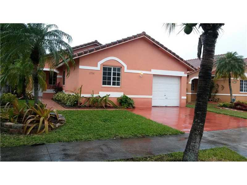 Miami, FL 33177 :: United Realty Group