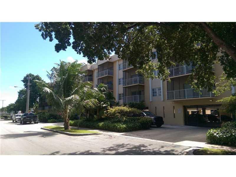 2640 NE 135th St #205, North Miami, FL 33181 (MLS #A10165356) :: United Realty Group