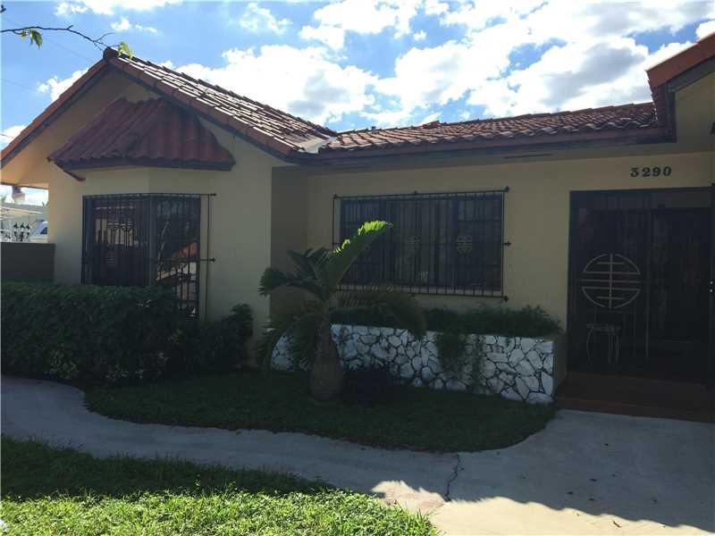 3290 W 8th Ave, Hialeah, FL 33012 (MLS #A10168340) :: United Realty Group