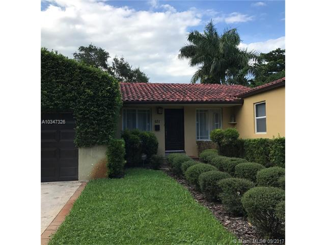 931 NE 81st St, Miami, FL 33138 (MLS #A10347326) :: The Jack Coden Group