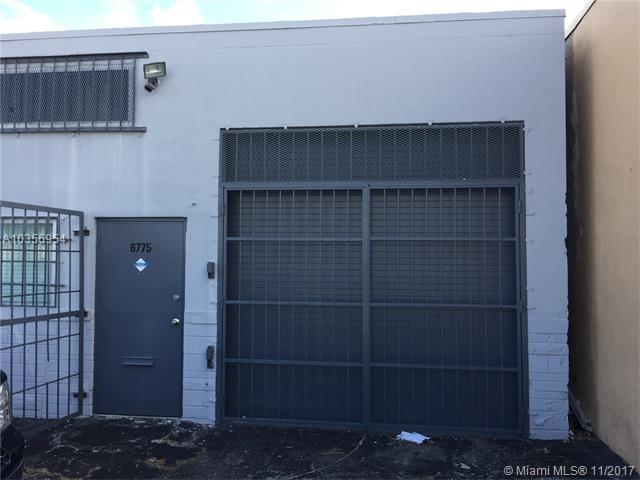 250 NE 68th St, Miami, FL 33138 (MLS #A10356954) :: RE/MAX Presidential Real Estate Group