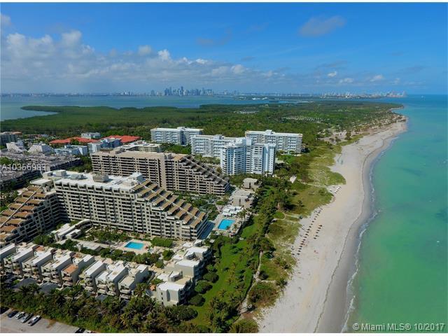 251 Crandon Blvd #624, Key Biscayne, FL 33149 (MLS #A10356983) :: The Riley Smith Group