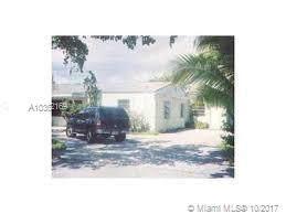 1040 NE 141 St., Miami, FL 33161 (MLS #A10362169) :: Berkshire Hathaway HomeServices EWM Realty