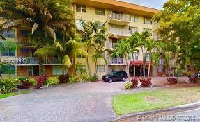 1800 Sans Souci Blvd #439, North Miami, FL 33181 (MLS #A10363923) :: Green Realty Properties