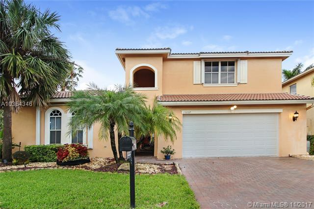 13227 SW 26th St, Miramar, FL 33027 (MLS #A10364346) :: The Teri Arbogast Team at Keller Williams Partners SW