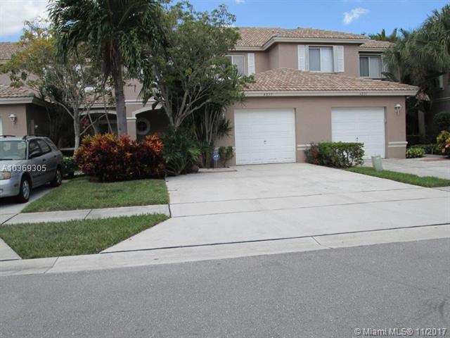 4835 Pinemore Ln #4835, Lake Worth, FL 33463 (MLS #A10369305) :: Green Realty Properties