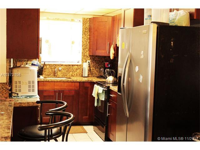 2648 Bahama Dr, Miramar, FL 33023 (MLS #A10372158) :: Green Realty Properties