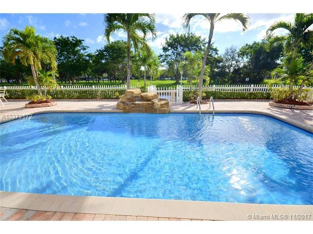 1420 SW 55th Ave, Plantation, FL 33317 (MLS #A10373172) :: Green Realty Properties