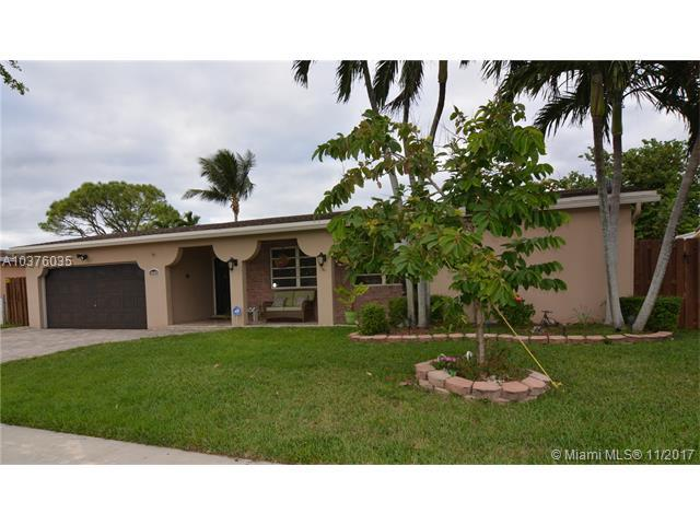 10469 NW 4th St, Plantation, FL 33324 (MLS #A10376035) :: Green Realty Properties