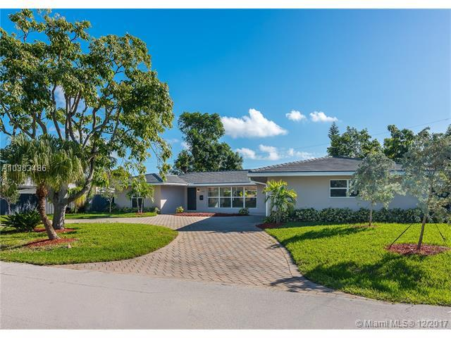 2748 NE 33 Street, Fort Lauderdale, FL 33306 (MLS #A10383486) :: The Teri Arbogast Team at Keller Williams Partners SW