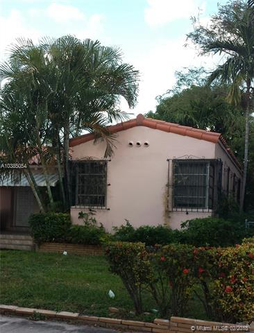 7637 Carlyle Ave, Miami Beach, FL 33141 (MLS #A10385054) :: The Teri Arbogast Team at Keller Williams Partners SW