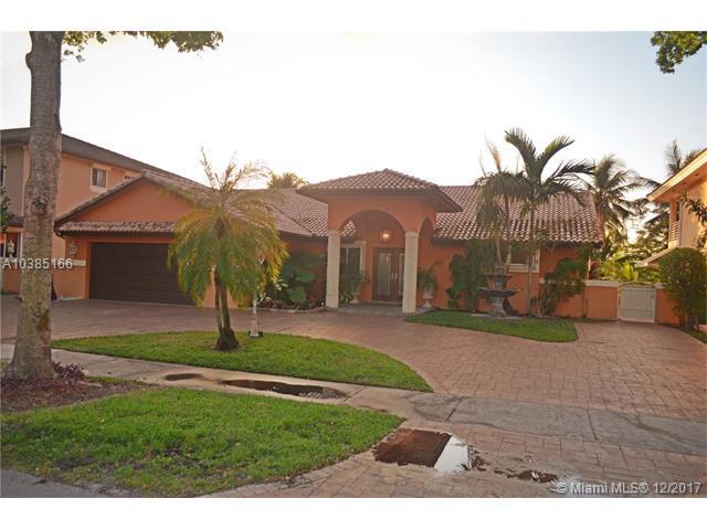 14352 Ardoch Pl, Miami Lakes, FL 33016 (MLS #A10385166) :: Green Realty Properties
