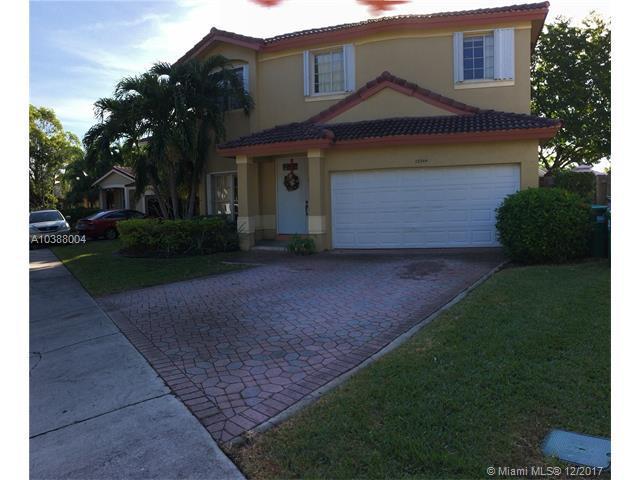 12344 SW 143rd Ln, Miami, FL 33186 (MLS #A10388004) :: The Teri Arbogast Team at Keller Williams Partners SW