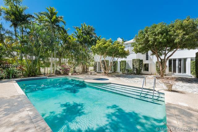 6645 Pinetree Ln, Miami Beach, FL 33141 (MLS #A10388456) :: Stanley Rosen Group