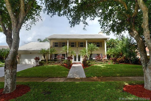 435 Woodlake Ln, Deerfield Beach, FL 33442 (MLS #A10390065) :: Stanley Rosen Group