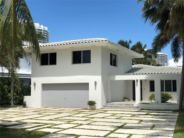 322 S Parkway, Golden Beach, FL 33160 (MLS #A10391015) :: Green Realty Properties