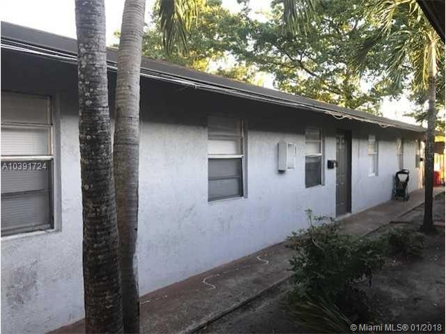 238 NW 14th St, Pompano Beach, FL 33060 (MLS #A10391724) :: The Teri Arbogast Team at Keller Williams Partners SW