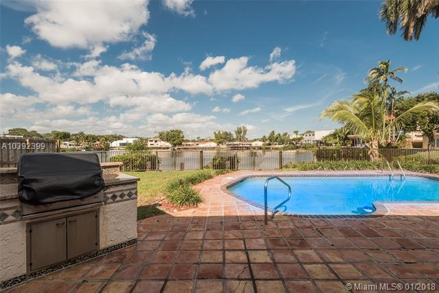 2345 NE 197th St, Miami, FL 33180 (MLS #A10392399) :: The Teri Arbogast Team at Keller Williams Partners SW