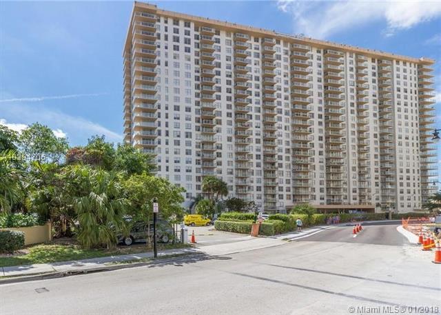 230 174th St #412, Sunny Isles Beach, FL 33160 (MLS #A10394706) :: Grove Properties