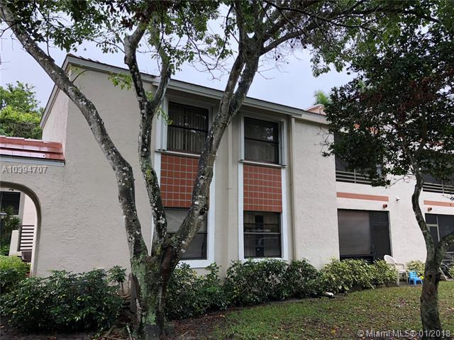 9809 NW 3rd St #4, Plantation, FL 33324 (MLS #A10394707) :: The Teri Arbogast Team at Keller Williams Partners SW