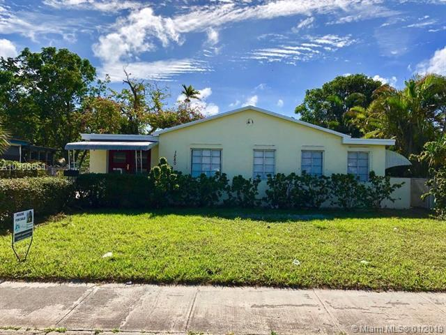 1280 NE 135th St, North Miami, FL 33161 (MLS #A10396851) :: Hergenrother Realty Group Miami