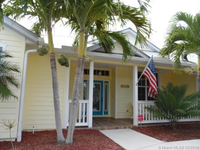 117 Queens Rd, Hutchinson Island, FL 34949 (MLS #A10397348) :: The Teri Arbogast Team at Keller Williams Partners SW