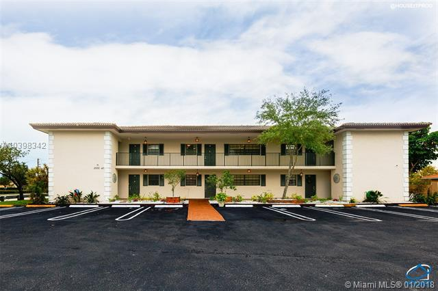 10530 NW 29th Ct, Coral Springs, FL 33065 (MLS #A10398342) :: The Teri Arbogast Team at Keller Williams Partners SW