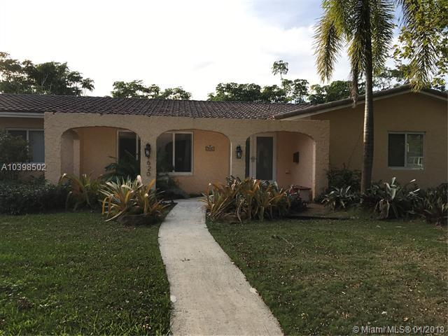 9620 SW 72nd Ave, Pinecrest, FL 33156 (MLS #A10398502) :: The Teri Arbogast Team at Keller Williams Partners SW
