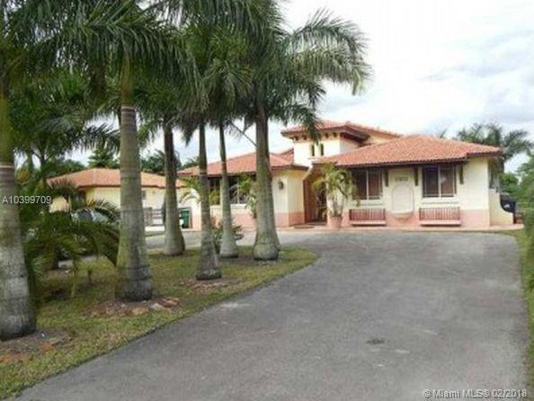 18471 SW 104 St, Miami, FL 33196 (MLS #A10399709) :: The Teri Arbogast Team at Keller Williams Partners SW