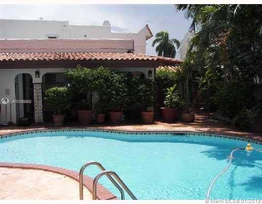 2812 Prairie Av, Miami Beach, FL 33140 (MLS #A10399968) :: Prestige Realty Group