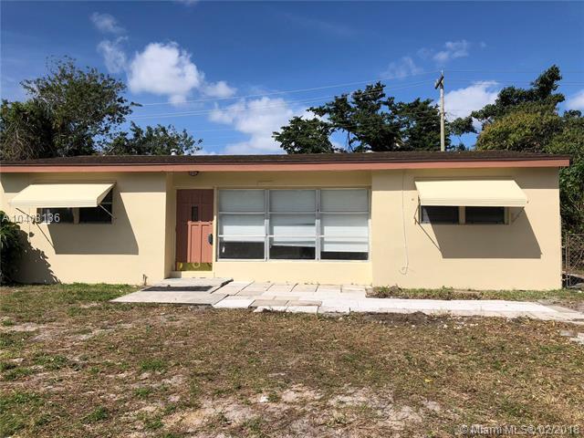 427 Seminole Dr, Lake Worth, FL 33462 (MLS #A10403136) :: The Teri Arbogast Team at Keller Williams Partners SW