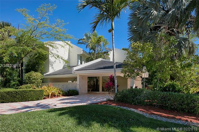 1561 Bella Vista Ave, Coral Gables, FL 33156 (MLS #A10403977) :: The Riley Smith Group
