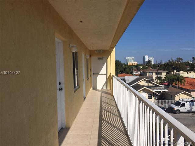 2035 NW Flagler Ter #203, Miami, FL 33125 (MLS #A10404427) :: The Riley Smith Group