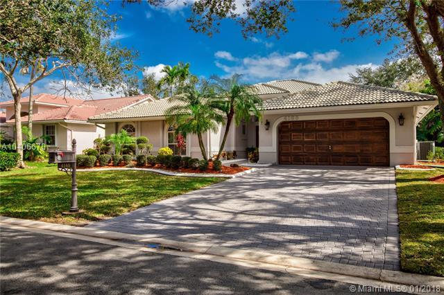 4165 NW 65th Ave, Coral Springs, FL 33067 (MLS #A10406670) :: The Teri Arbogast Team at Keller Williams Partners SW