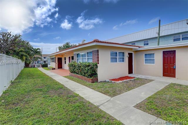 2494 NE 16 St, Pompano Beach, FL 33062 (MLS #A10407923) :: The Teri Arbogast Team at Keller Williams Partners SW